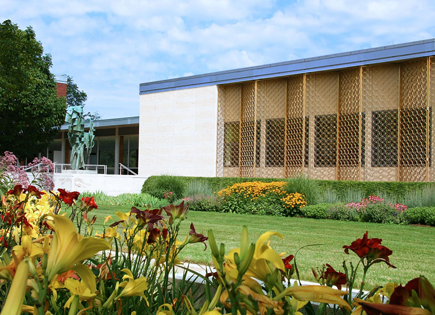 Krannert Art Museum, view from Gelvin Gardens, 2014.