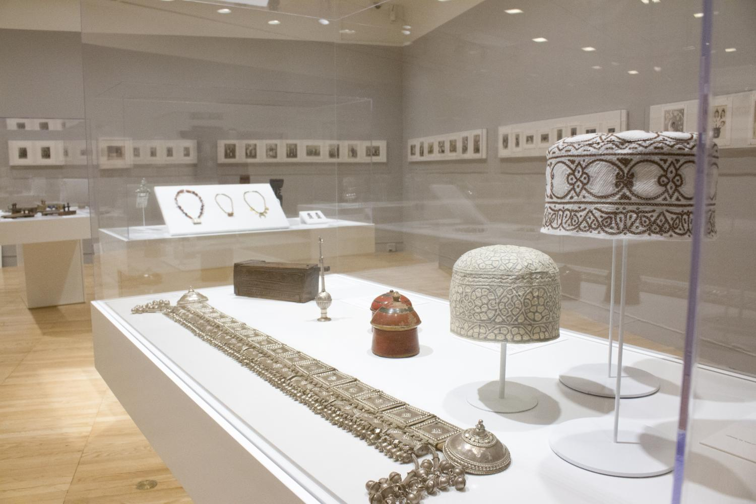 World on the Horizon: Swahili Arts Across the Indian Ocean, installation view at Krannert Art Museum, 2017. Photo by Julia Nucci Kelly. © Board of Trustees of the University of Illinois